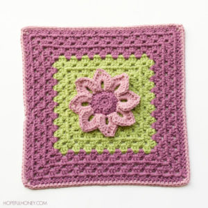 Water-Lily-Crochet-Granny-Square-Pattern