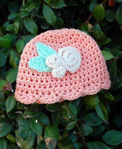 Modèle de chapeau de bébé au crochet