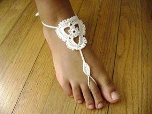 10 sandales aux pieds nus compilées par KatiDCreations pour AllFreeCrochet.com