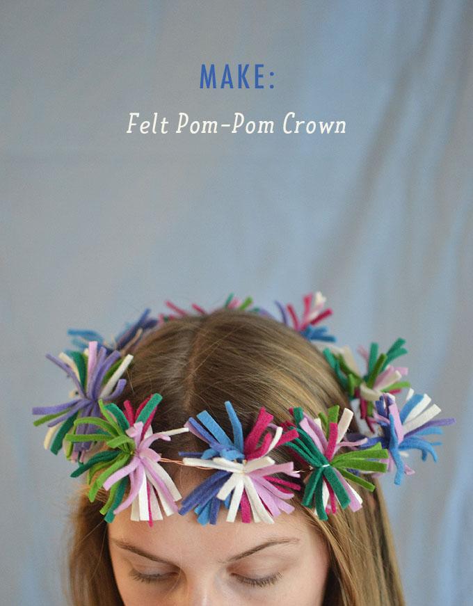 Faites des pompons à partir de petites bandes de feutre, puis attachez-les au fil pour faire une couronne.