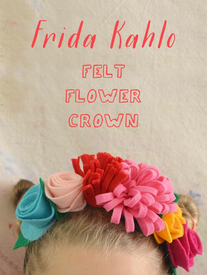 Faites des couronnes de fleurs Frida Kahlo à partir de feutre et d'un serre-tête.