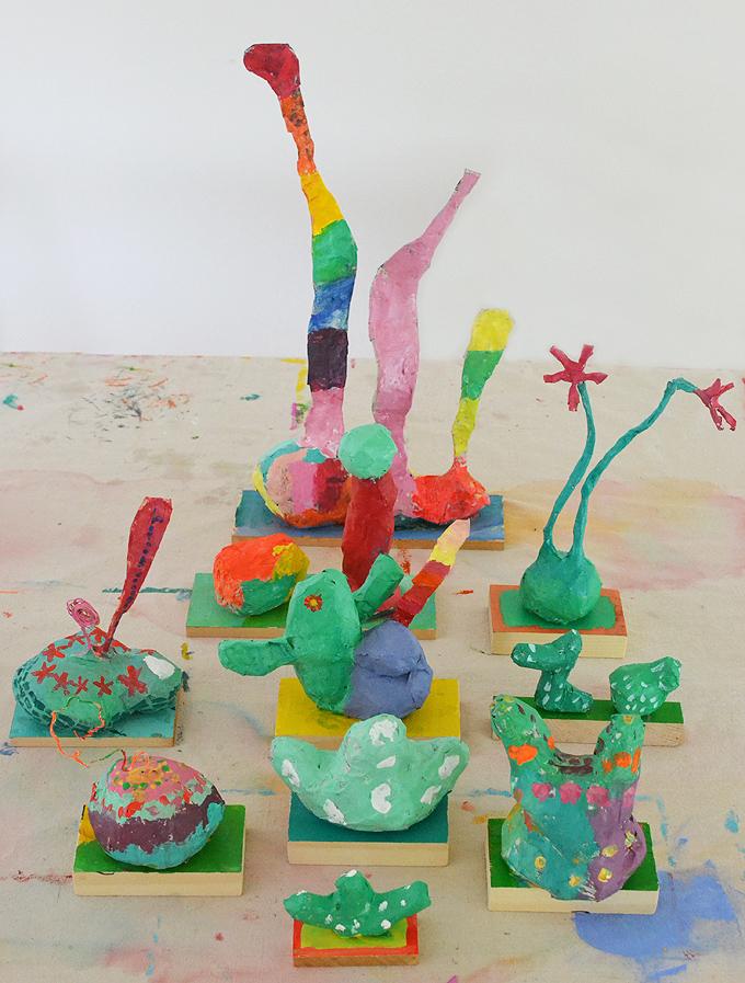 Projet de sculpture en papier mâché inspiré par l'artiste Chiaozza