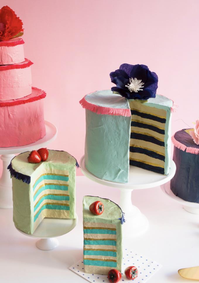 Gâteaux fantaisie en papier mâché bricolage.